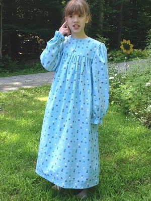 Girls Square Yoke Gown Size 10